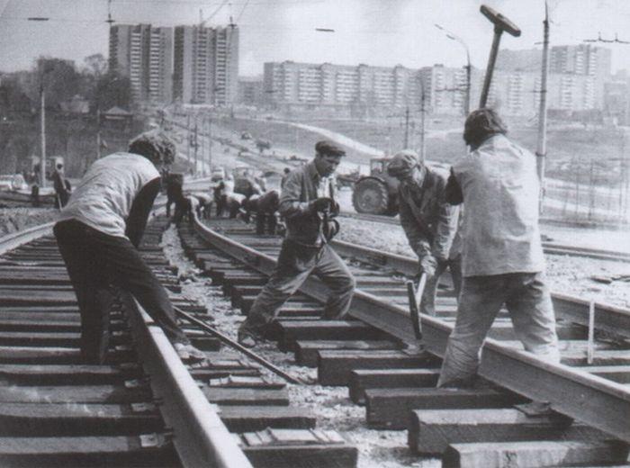 Реконструкция трамвайных путей на улице Кирова, первая половина 1980-х годов. Ижевск.