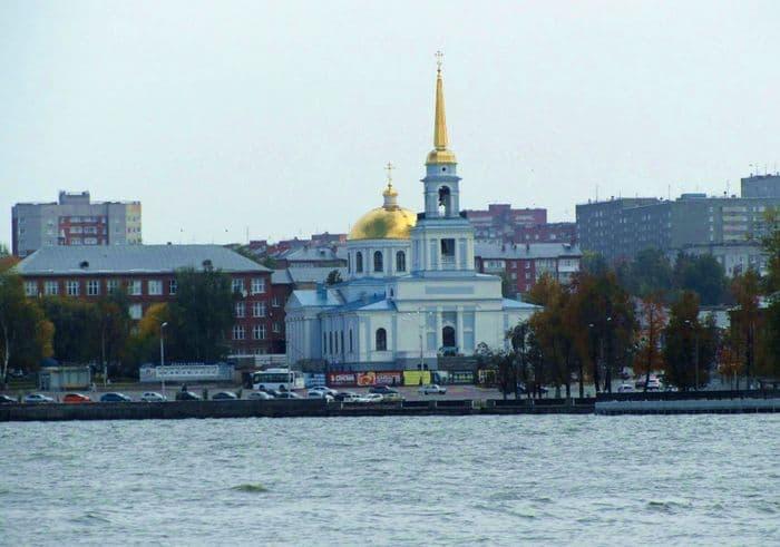 Благовещенский храм в Воткинске.