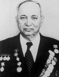 Педагог из Ленинграда Самуил Маркович Певзнер.