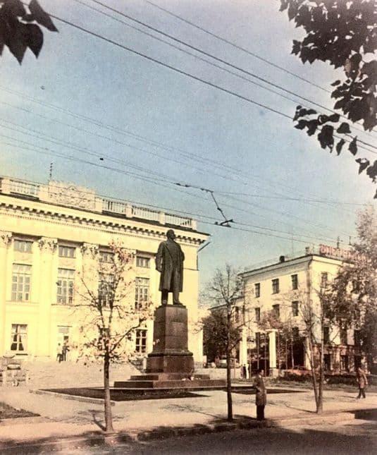 Фото из альбома Устинов. 1986 г.