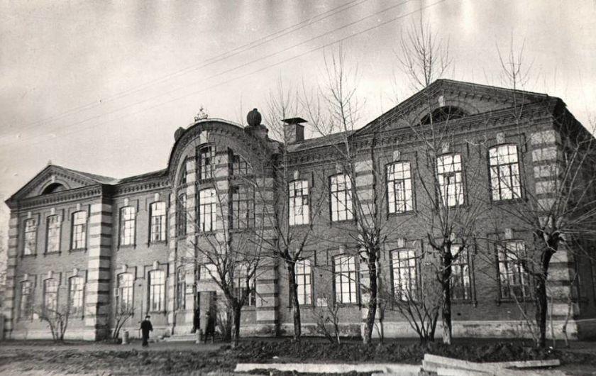 Школа свободы №31 на ул. К.Либкнехта Ижевск.