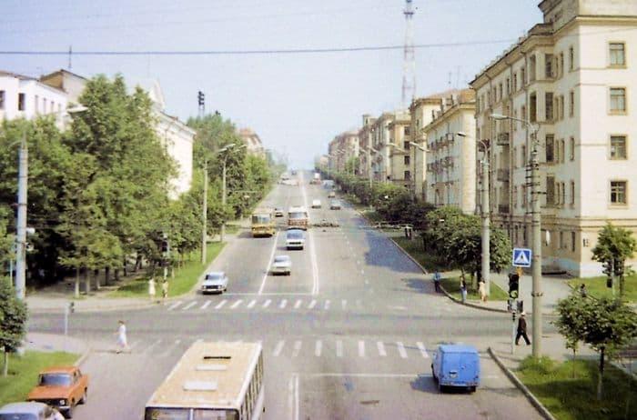 Перекресток улиц Пушкинская и Советская. Ижевск. 1985 год.