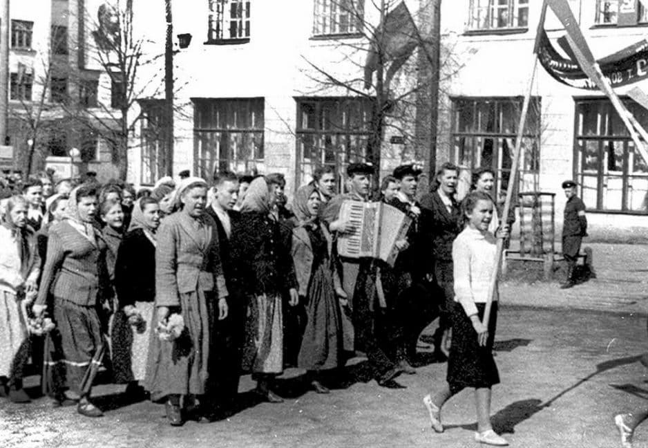 Демонстрация 1 мая 1949 года. Ижевск.