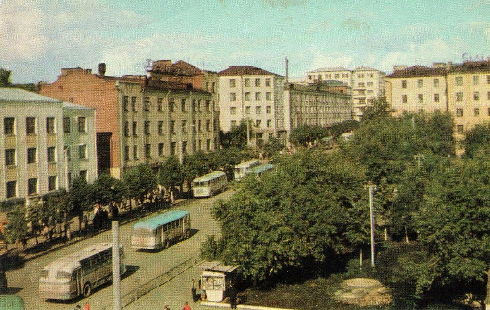 Из набора открыток 1969 года. Фото: А. Мусин. Ижевск. Ул.Советская.
