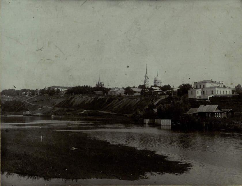 Нагорная часть Ижевска. Берег реки Иж.  Фото: начало 20 века.