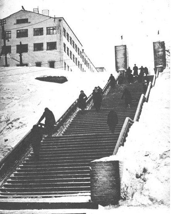 Лестница к плотине. 1970 год. Ижевск.