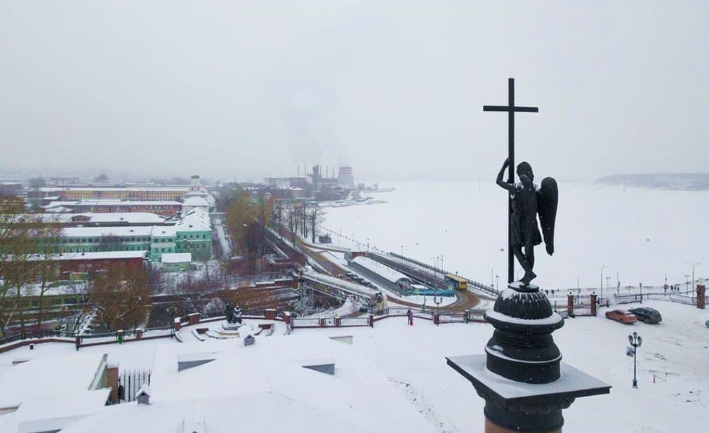 Памятник великому князю Михаилу Павловичу в Ижевске. Фото 2019 года.