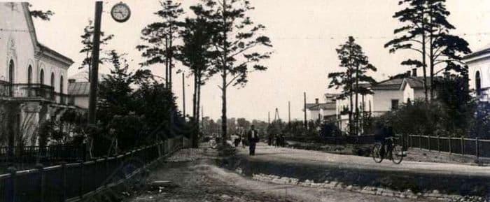 Улица Сталинградская в Воткинске 1958 год. Из фотоальбома Воткинский завод 1759-1959гг.
