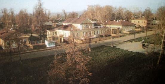 Усадьба - музей великого композитора -Петра Ильича Чайковского.