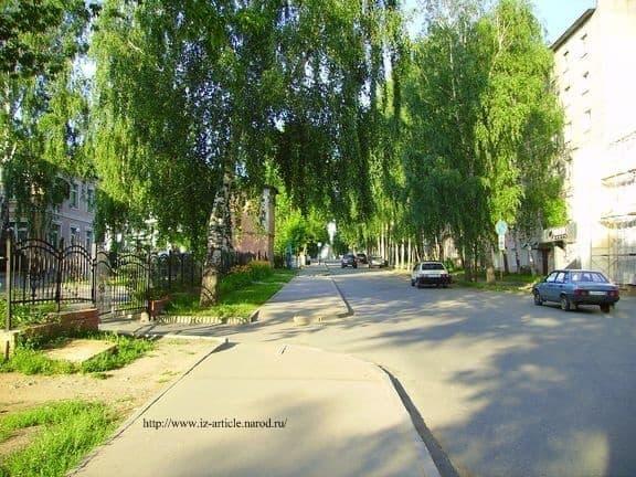 ул  Краева Ижевск. 2011. ДВА