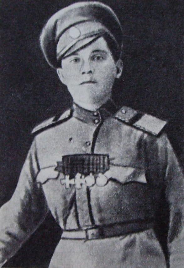 Пальшина Антонина Тихоновна (Придатко) девушка из Сарапула, трижды награждалась Георгиевским крестом.