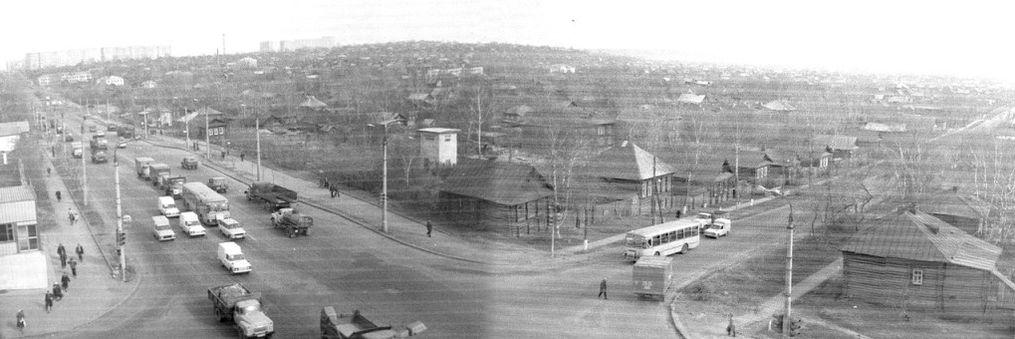 Перекресток улиц Карла Либкнехта и Красноармейская. Вид с крыши пятиэтажки Красноармейская 128. Фото ~ 1986 г. Ижевск.
