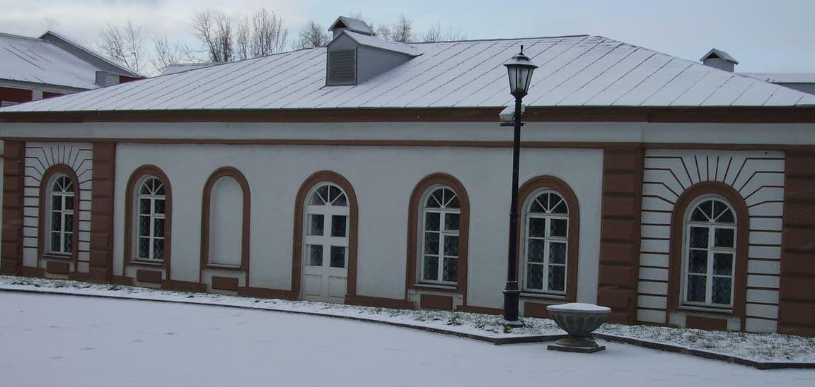 Старейшее здание в  Ижевске - денежная кладовая. Музей завода Ижмаш.