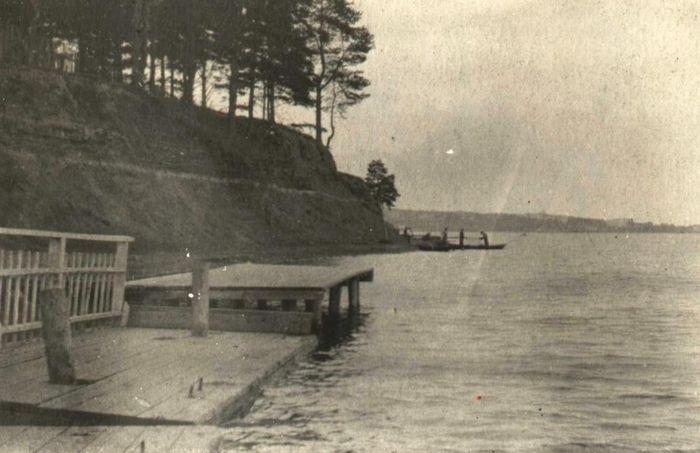 Пристань у парка Кирова. Фото С.Н. Кошурникова. 1937-38 г Ижевск.