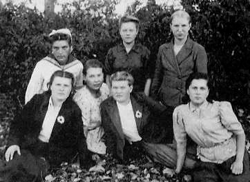 Почтовые работники. Вавож. 1949 г.