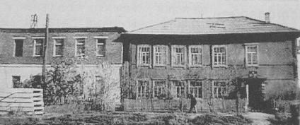 Старое здание почты в п.Балезино.