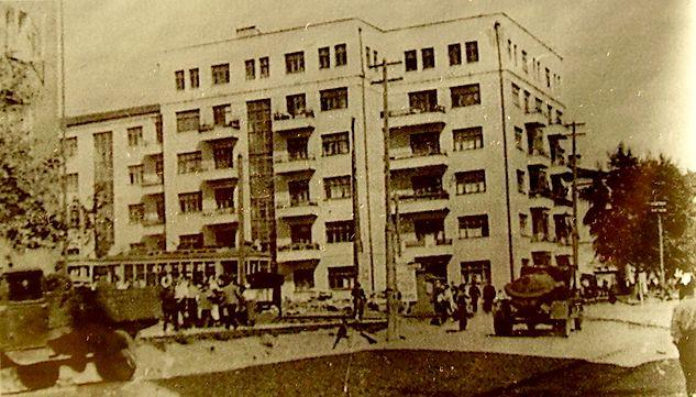 Угол улиц Советской и К.Маркса. Дом Карла Маркса 208. Ижевск.