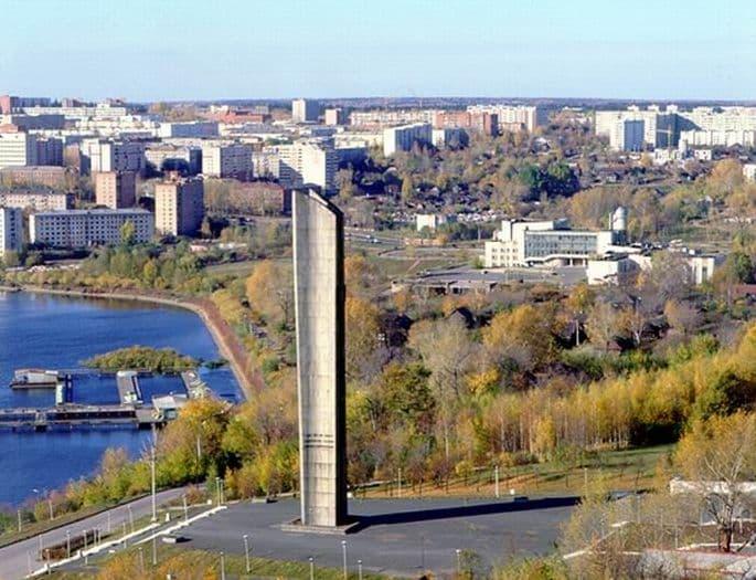 Монумент Дружба Народов, лодочная станция, дом Пионеров. Ижевск.