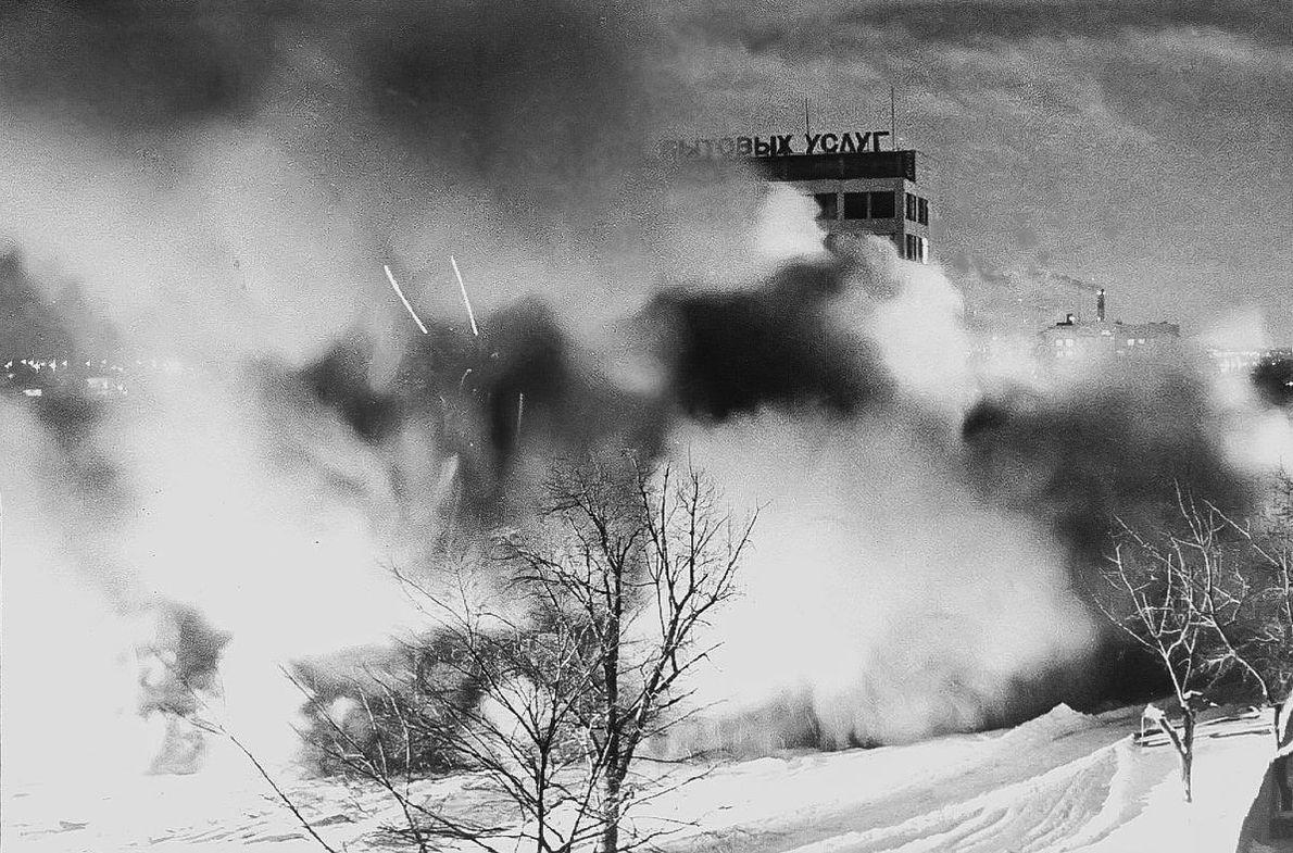 Снос старого цирка. Ижевск. Фото Александр Горбунов.