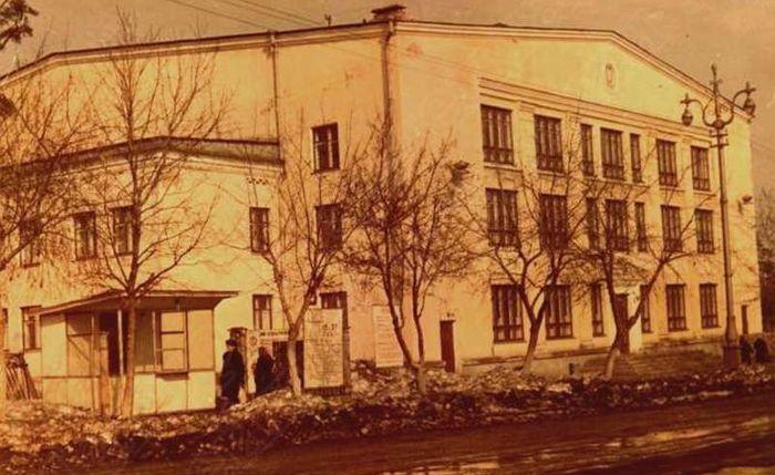 """Дворец спорта """"Ижмаш"""" (Ижевск, Советская ул., 35). Фото: 1967 г., архив ЦДНИ УР."""
