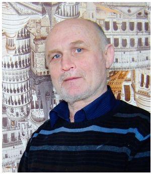 Виктор Борисович Котляров — член Союза художников России.